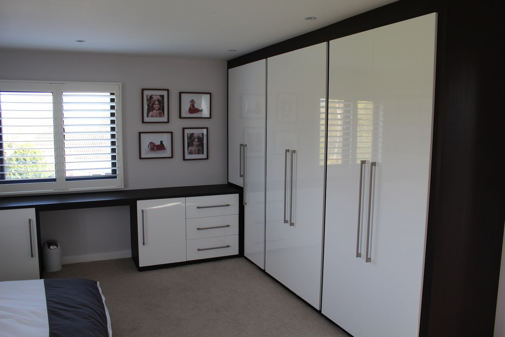 dressing room furniture. White Fitted Bedroom In Gloss With Matching Dressing Table Room Furniture