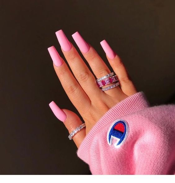Pink nails, sweater - Miladies.net #longnails