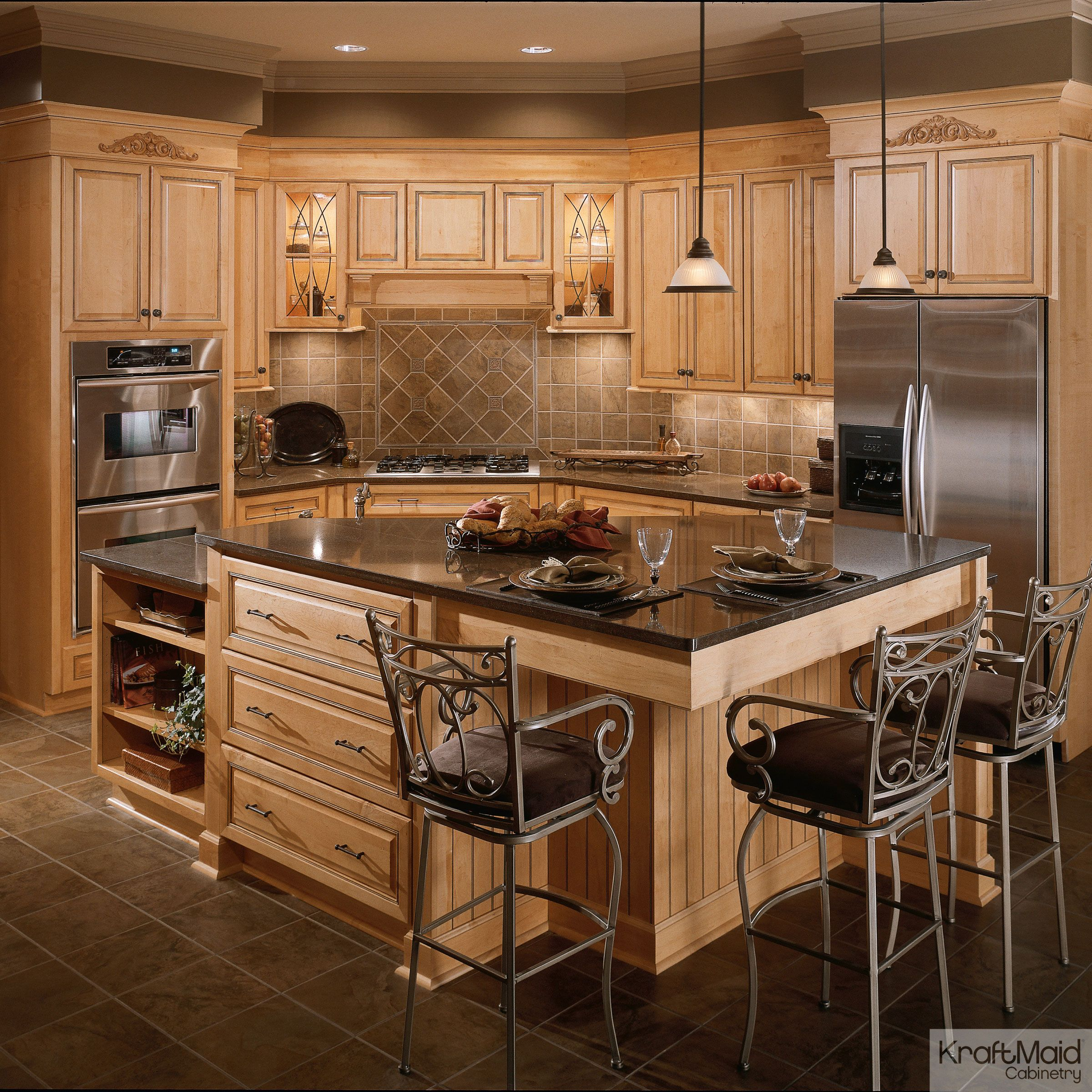 Best This Kitchen Has A Large Multi Height Island That S 400 x 300