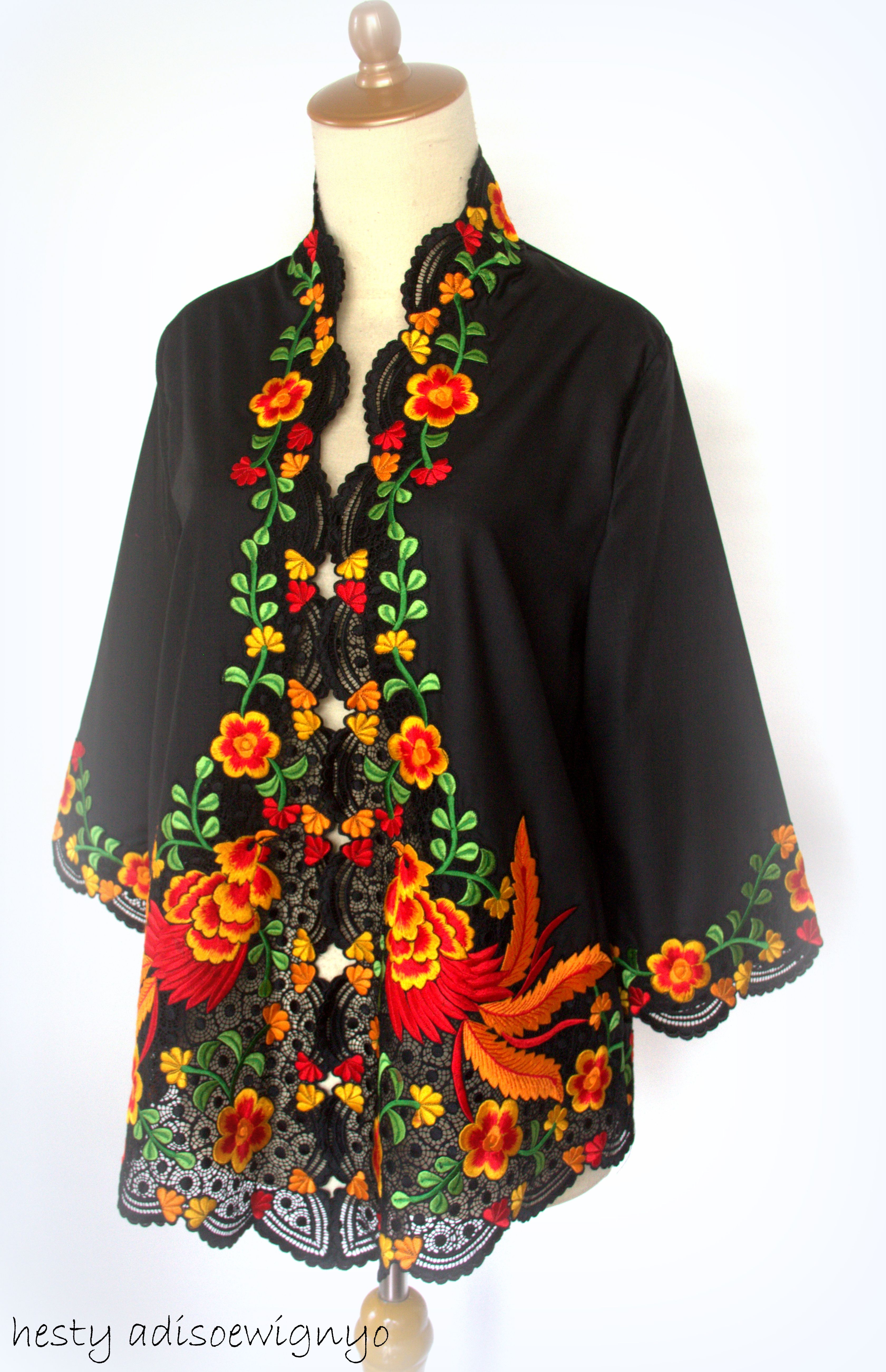 Malay kebaya kimono  Emblem  Pinterest  Kebaya Kimonos and