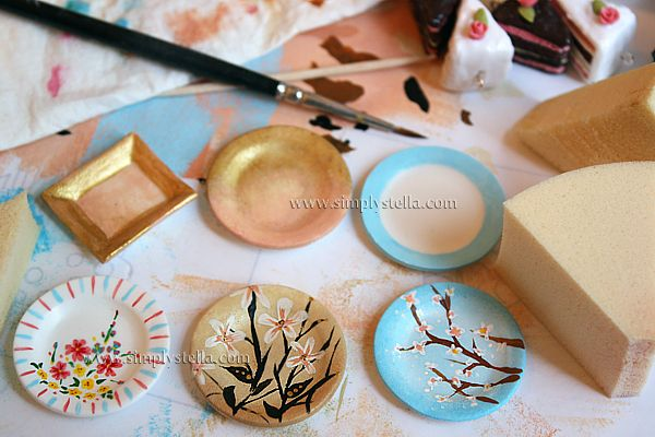 """Encouragement for """"non-painters"""" to try something more elaborate on miniature dollhouse plates 