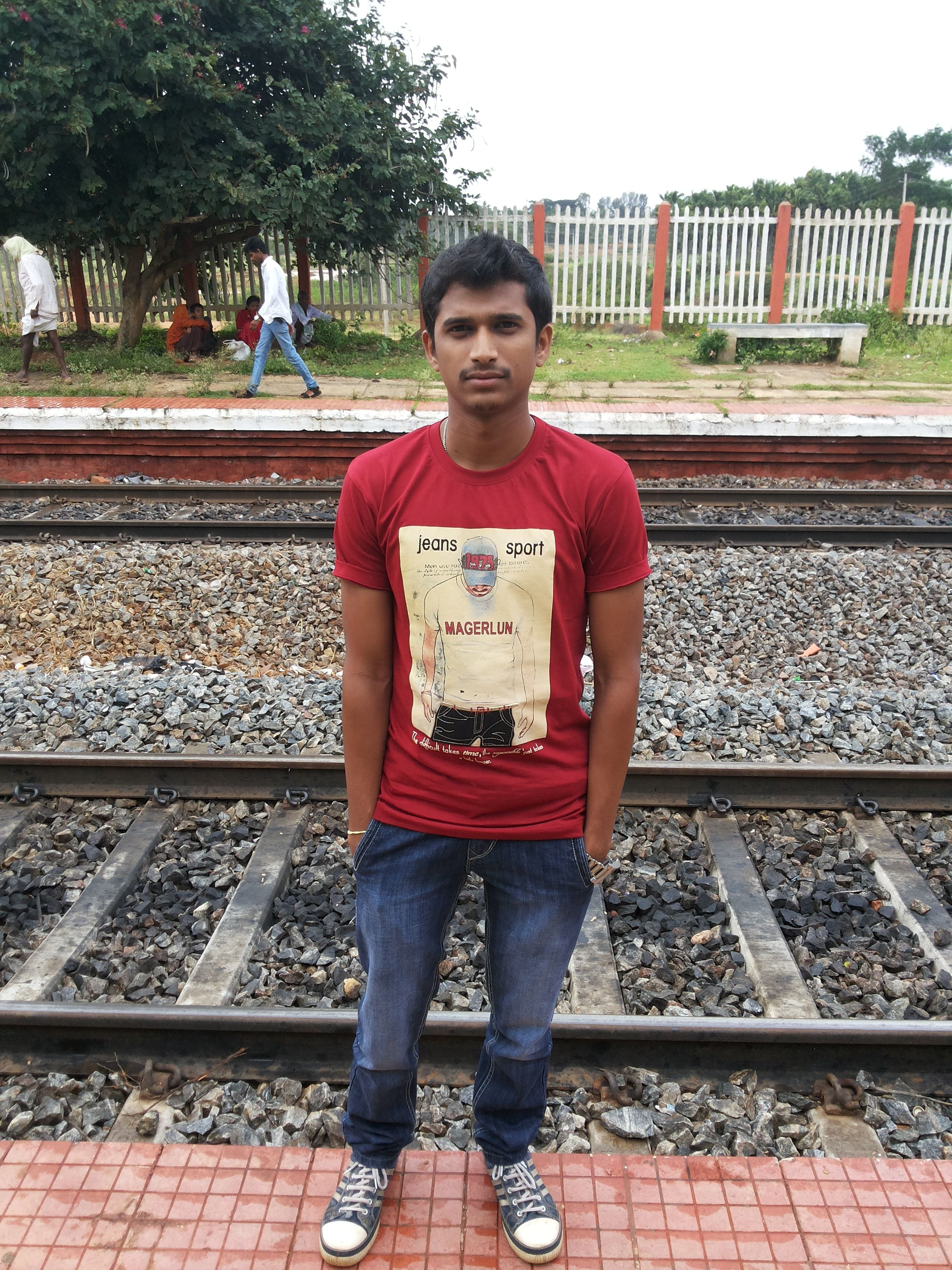 When i went to Dabaspet with friend.. waiting for train!!!!