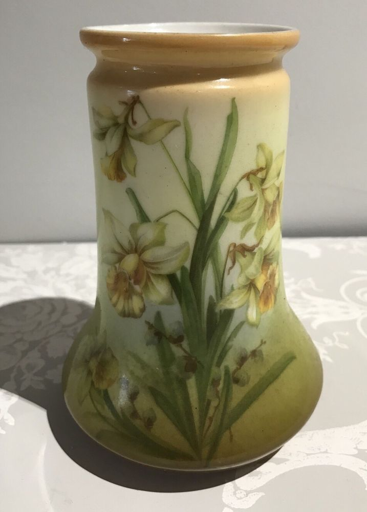 Victorian Daffodil Vase Ceramics Pinterest Daffodils And Victorian