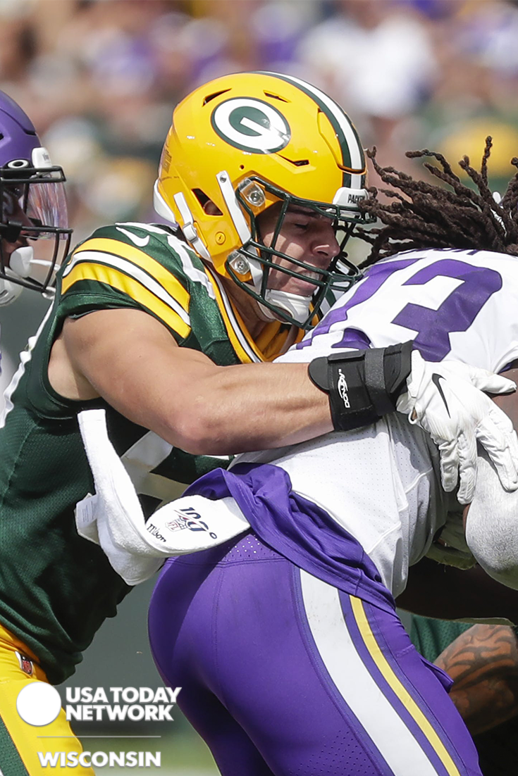 Green Bay Packers Inside Linebacker Blake Martinez Tackles Minnesota Vikings Running Back Dalvin Cook During Their Football In 2020 Green Bay Packers Packers Green Bay