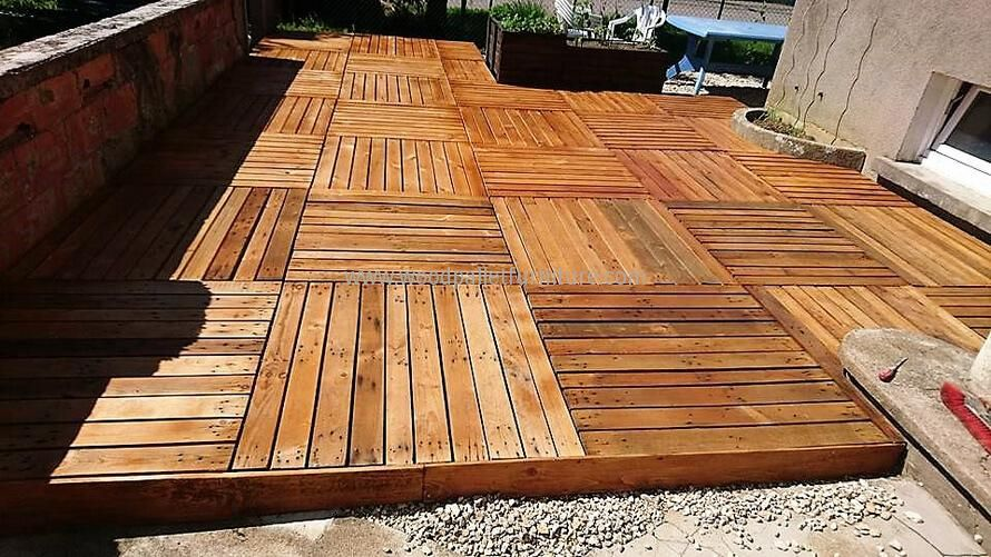 DIY Wooden Pallets Garden Terrace   Pallets garden, Pallet ...