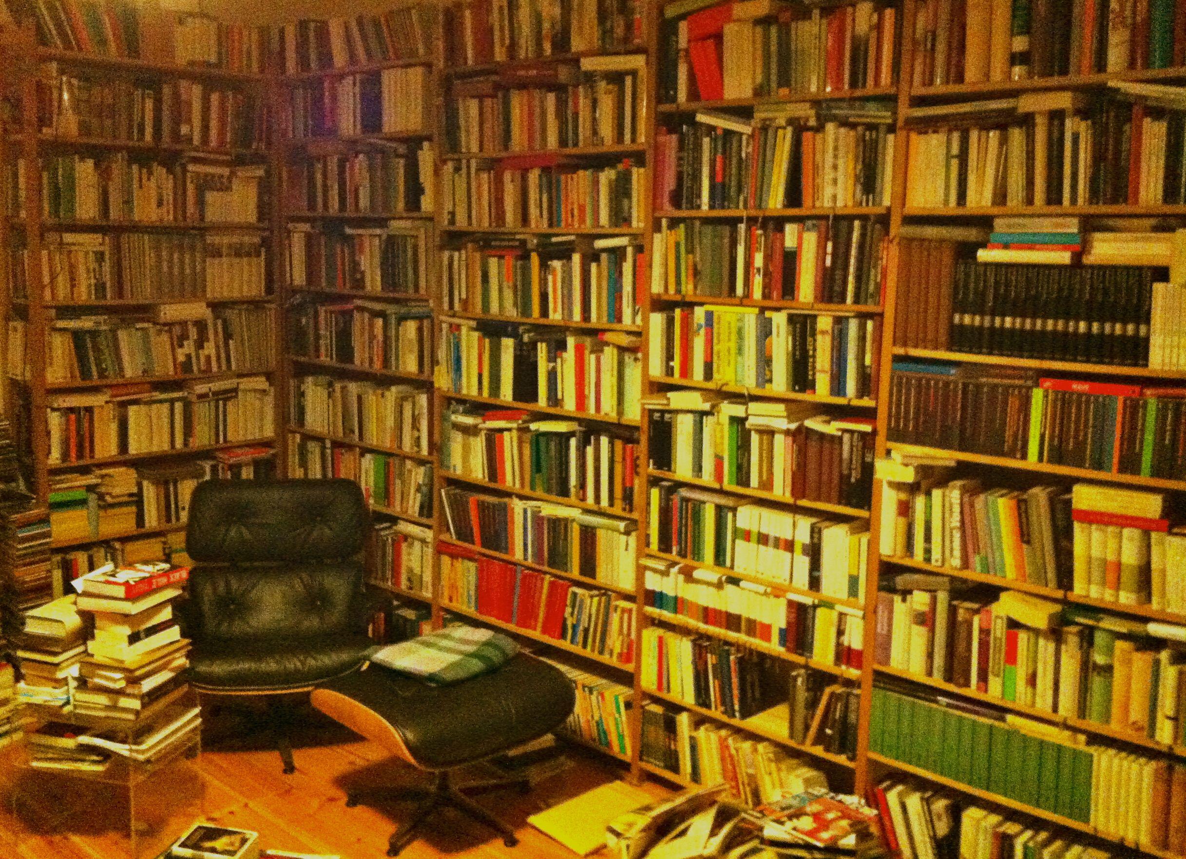 Unsere Freitagsfrage an Euch: Was gibt's am Wochenende zu lesen?