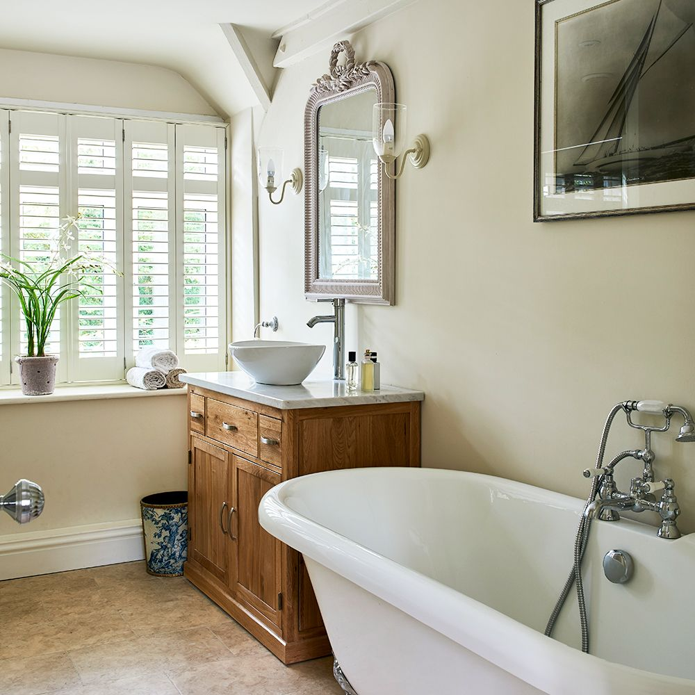 English cottage bathrooms - Traditional English Cottage Bathroom With Freestanding Bathtub