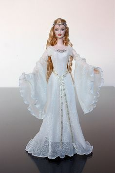 Photo of Barbie as Galadriel in Lord of the Rings – 2004
