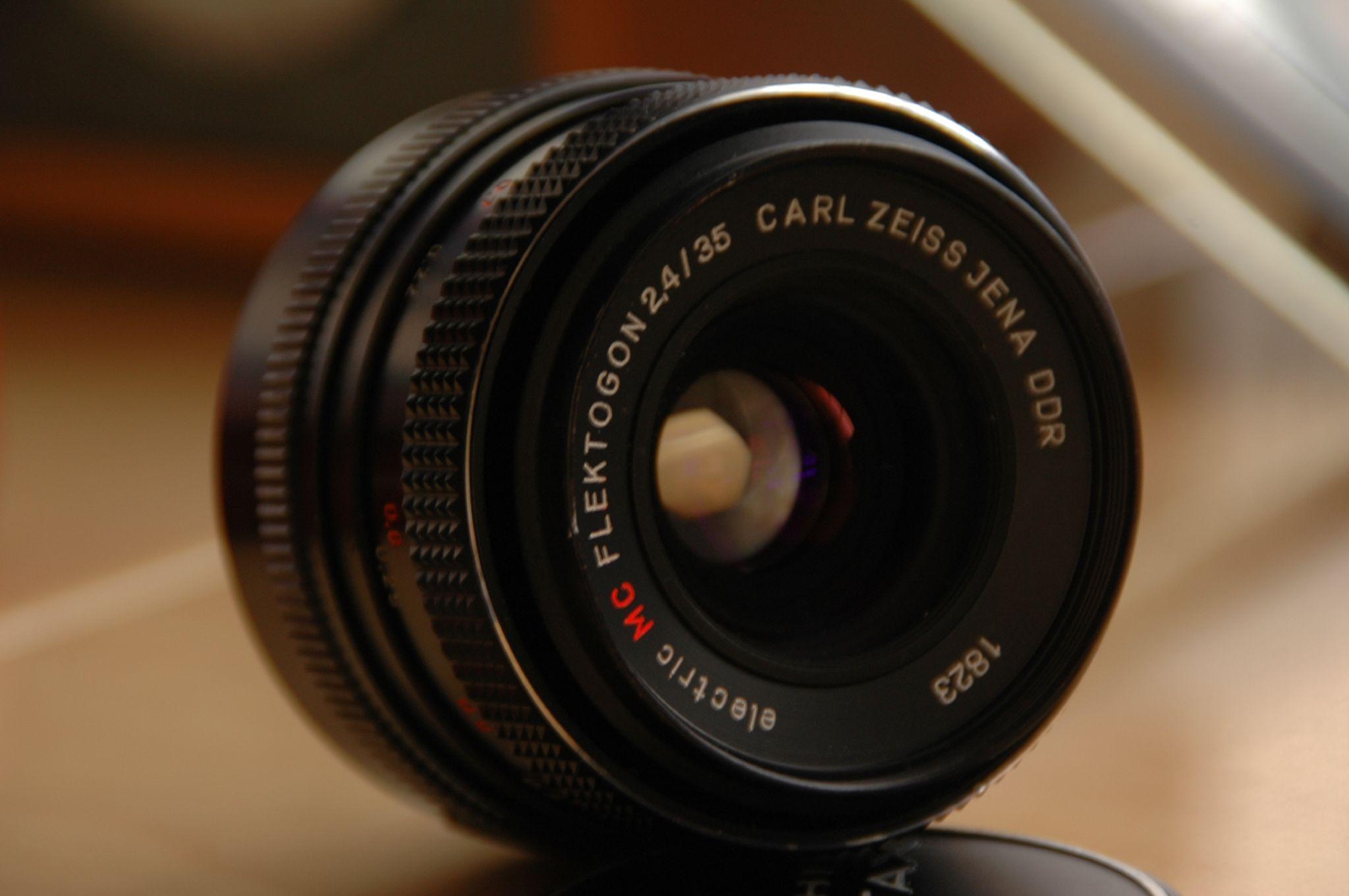 Carl Zeiss Flektogon 35mm F 2 4