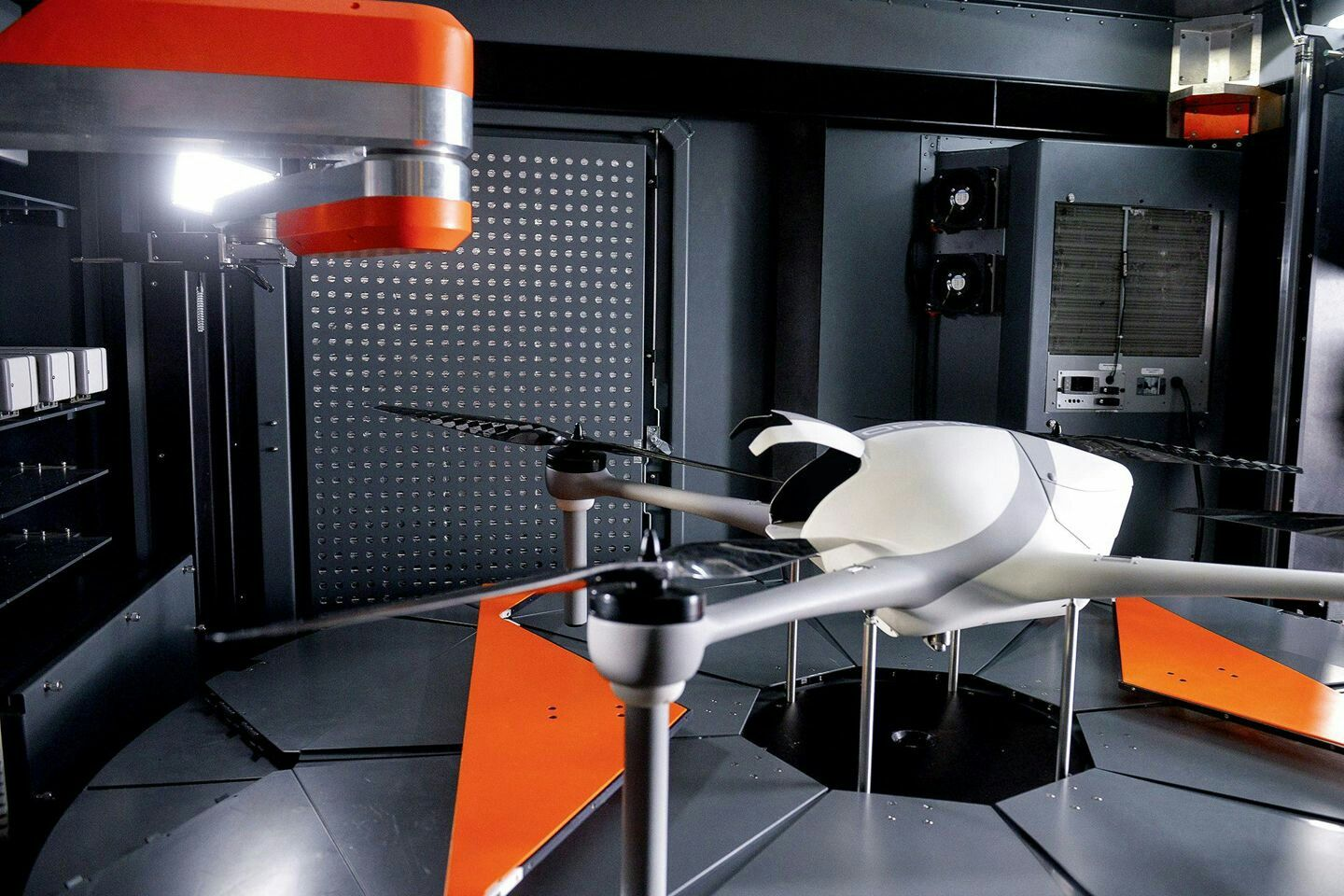 This Airobotics \'homing\' drone flies and lands without any need for ...
