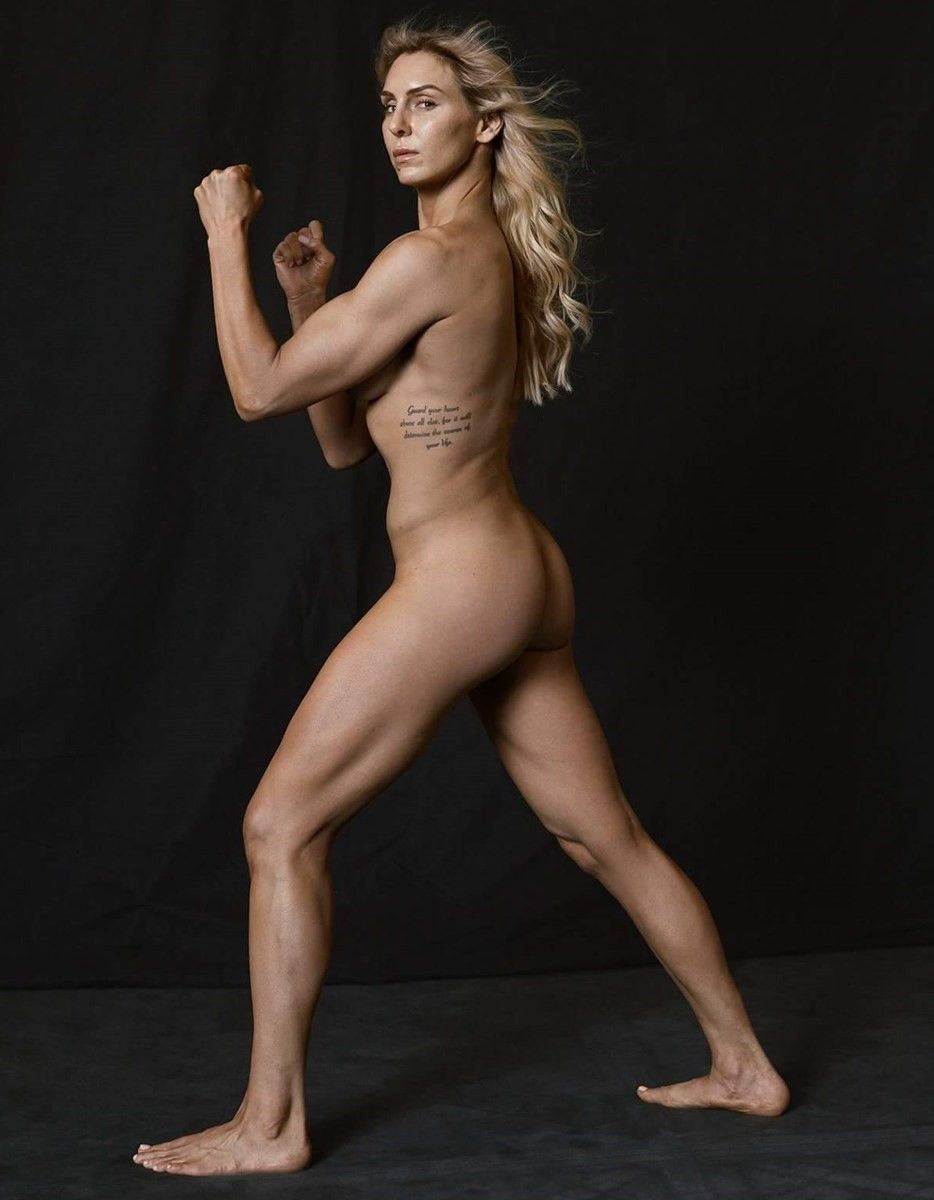 Wwe Wrestling Diva Charlotte Flair Shows Off Her Nude Photos From