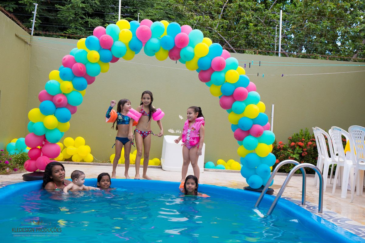 Foto de pool party maria clara 5 anos praia pinterest for Piscina koala cumpleanos