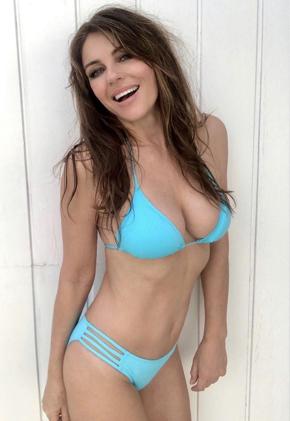 Bikini Goddess Elizabeth Hurley In 2020 Elizabeth Hurley Bikinis Celebrity Bikini Bodies