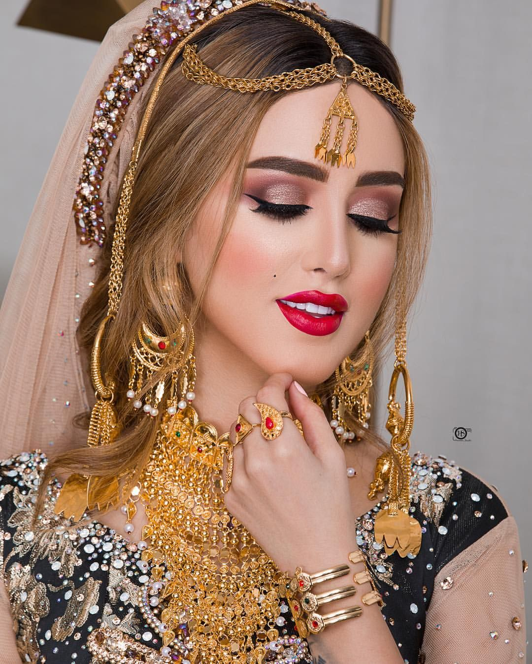 دبي فجيرة الأمارات شعر ستايل لوك تسريحات تسريحة صالون خبيرة تجميل فشن فشنيستا العين ابوظبي خد Pakistani Bridal Makeup Muslim Beauty Beauty Women