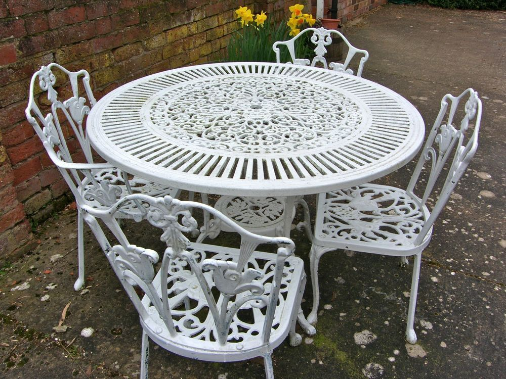 Vintage Shabby Chic Furniture White Cast Iron Garden Set Table And 4