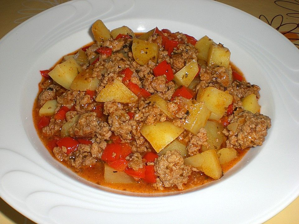 Photo of Ingredients 300 g potato (s) 250 g minced meat 1 bell pepper …