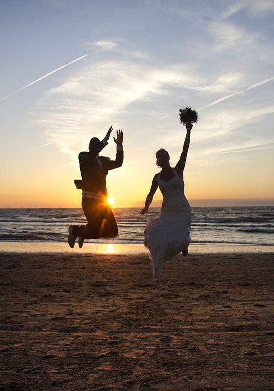 De leukste #trouwfoto's om te maken op het #strand