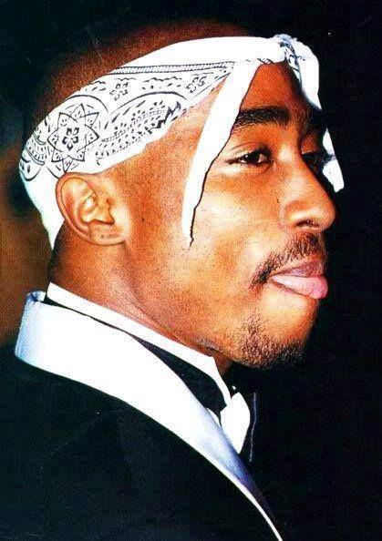 tupac with bandana tupac shakur pinterest tupac shakur 2pac