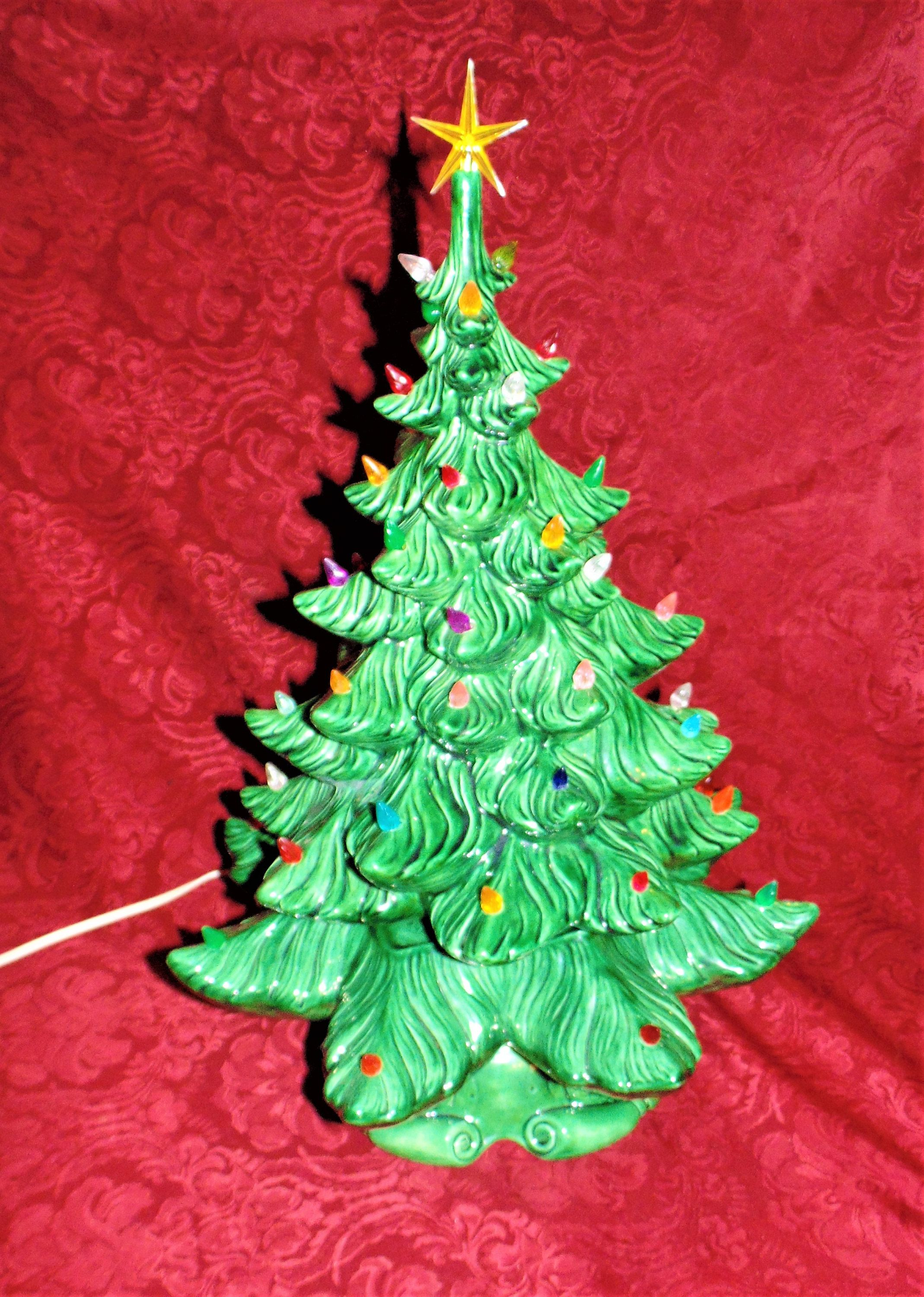 1973 Atlantic Mold Christmas Tree 2 Tier Lighted Ceramic Large By