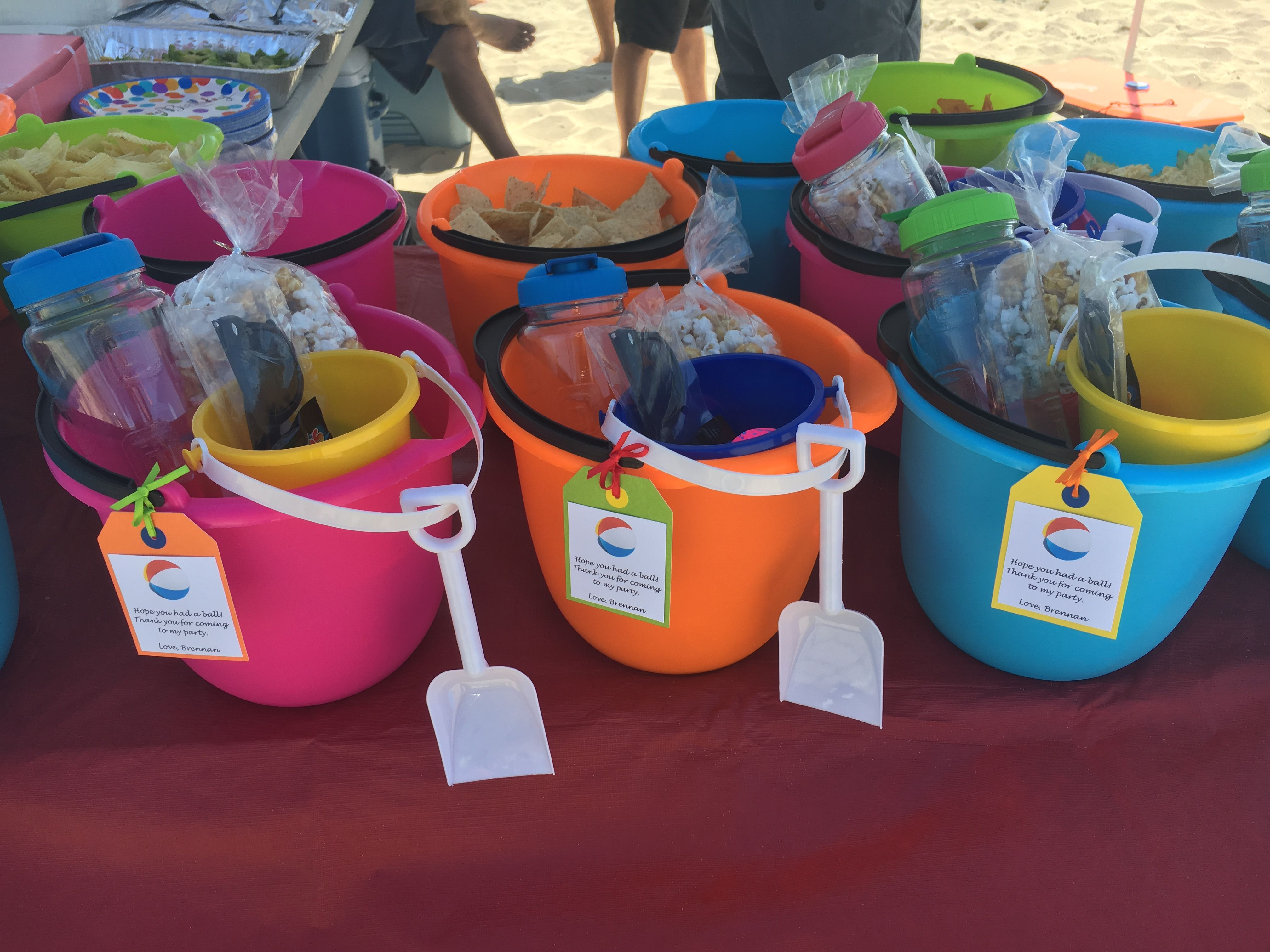 Play Sand With 4 Molds In Bucket Party Favors