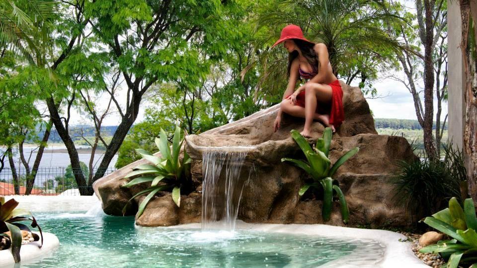 """Piscina com Revestimento """"Nassau"""", exclusivo da Cristal Pool."""