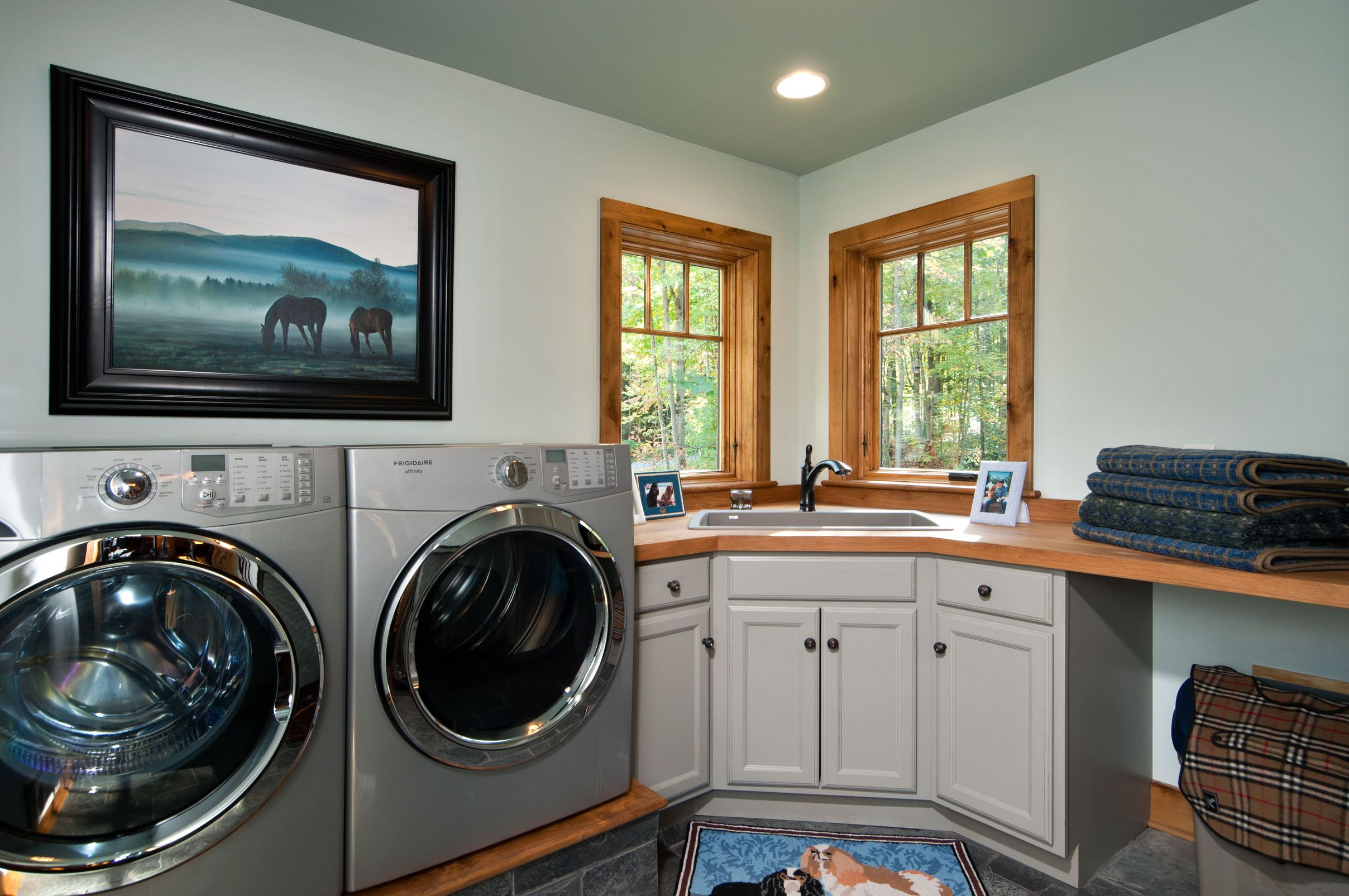 Award Homes Stacked Laundry Room Home Corner Sink