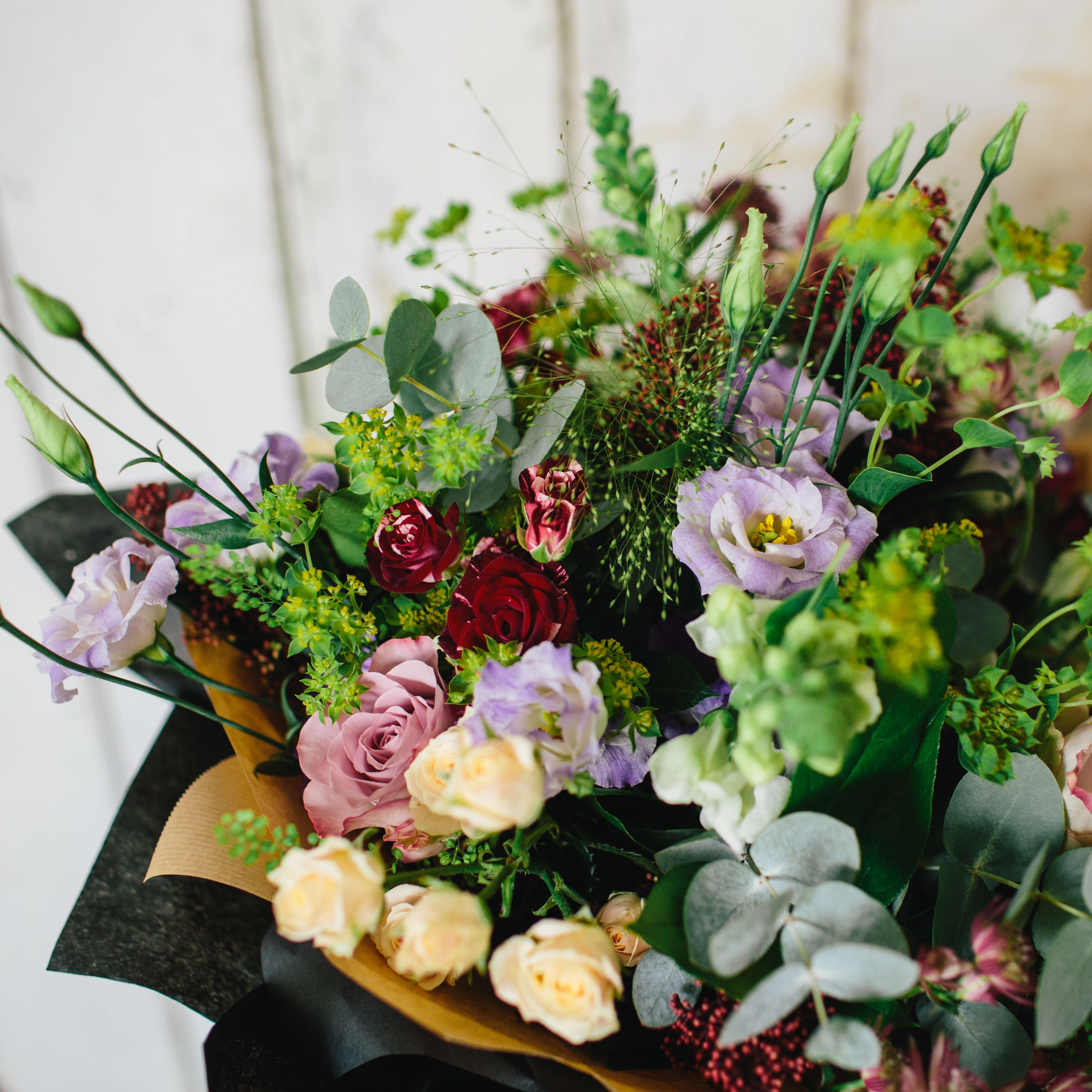 Flora Florists Choice By Post How to wrap flowers