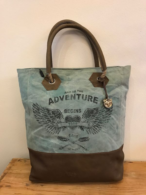 2d69117804f Canvas tas adventure | things to wear | Pinterest | Canvases