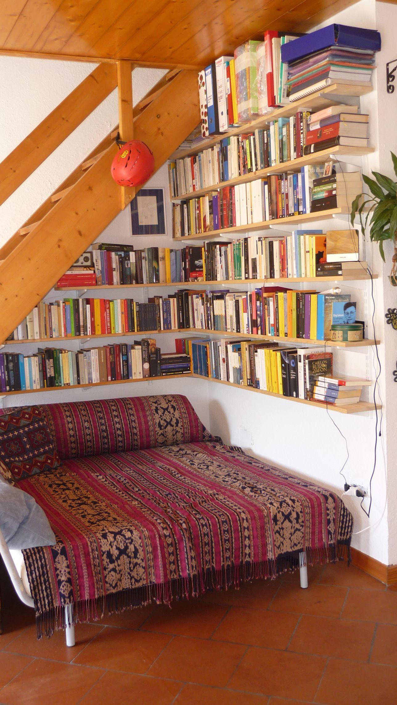 my reading corner Corner