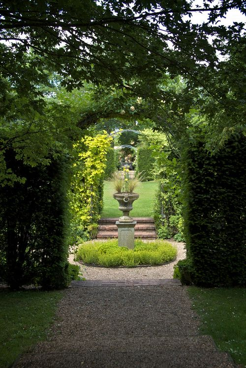 Secret Garden in the grounds of Coughton Court ...