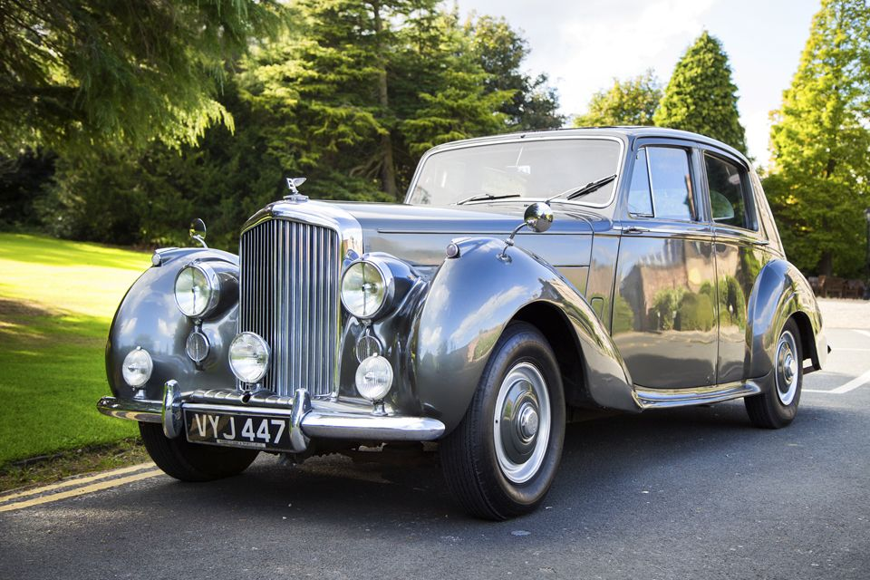 Bentley 1954 One Of The Most Popular Cars By The Wedding Car Hire People Wedding Car Hire Wedding Car Most Popular Cars