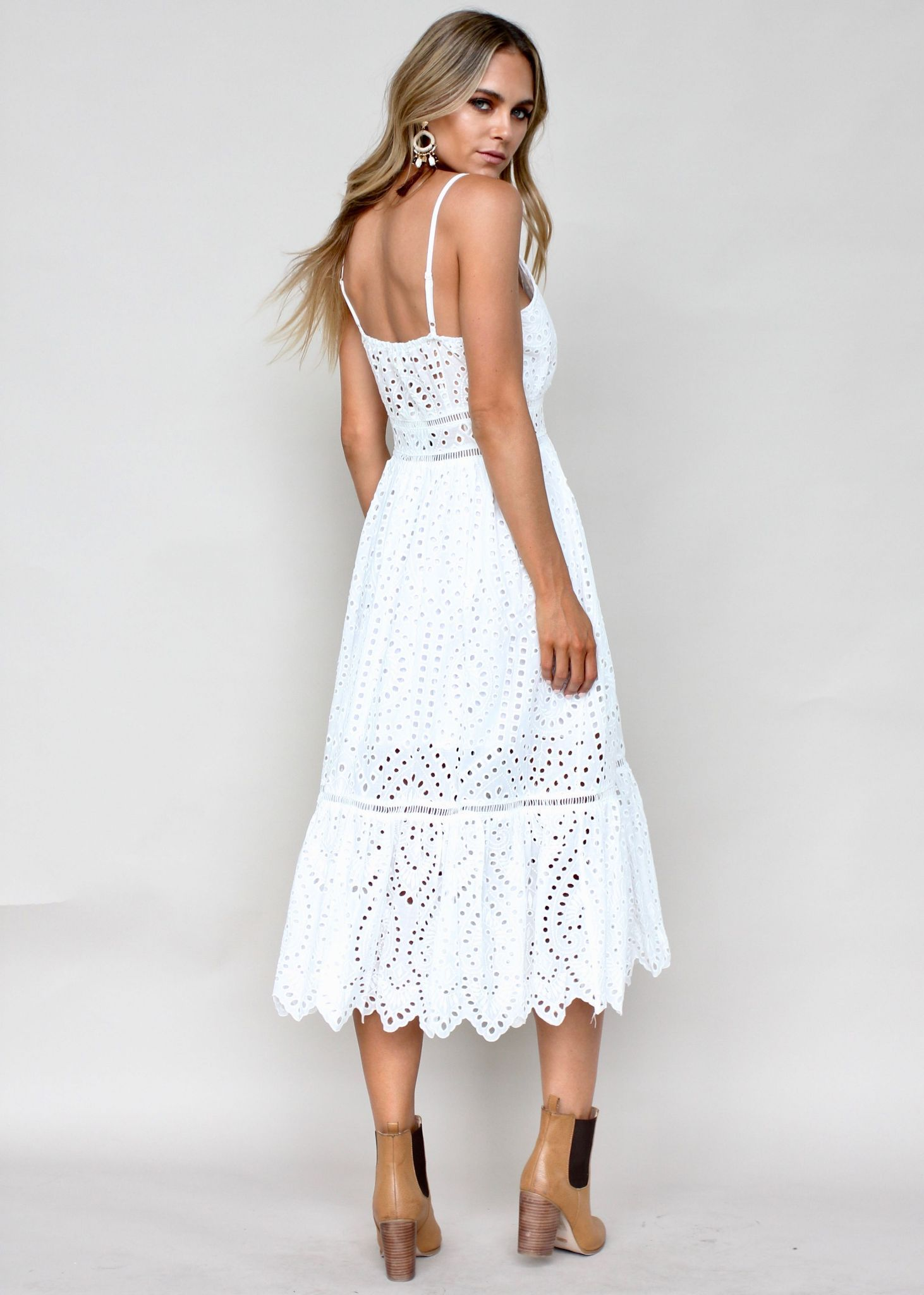 1ab1c8ab074 Rayleigh Midi Dress - White Anglaise in 2019   женские наряды ...