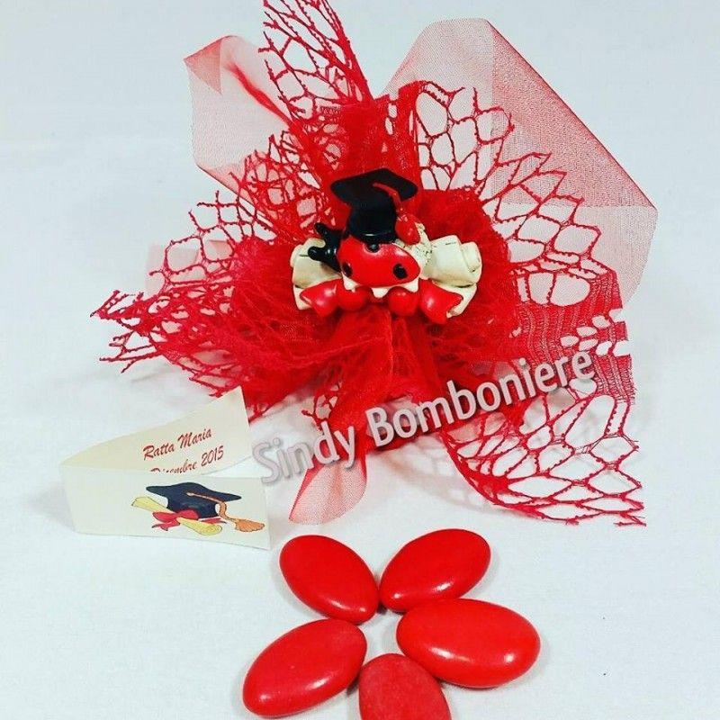 BOMBONIERE per LAUREA economiche tocco COCCINELLA pergamena confetti rossi  offerta b8e8c3451332