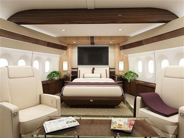 Ok... This would be a fun thing to check off the bucket list: Fly in a 747-8 Private Jet