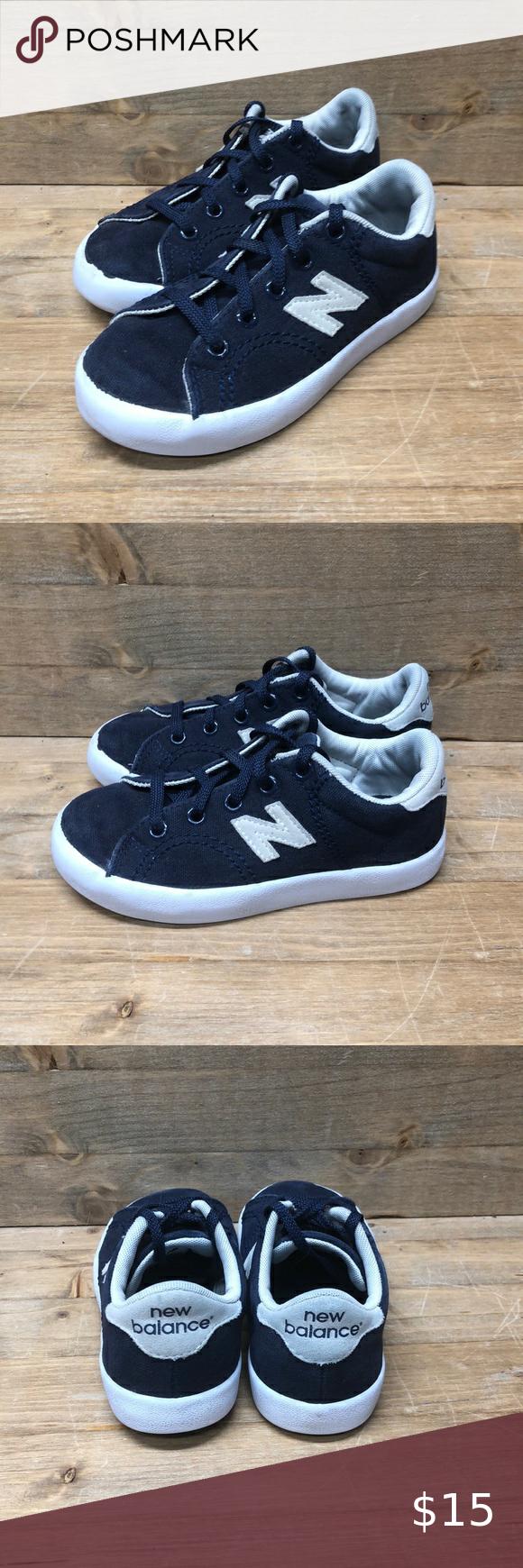 New Balance Boys Size 11 Sneaker in