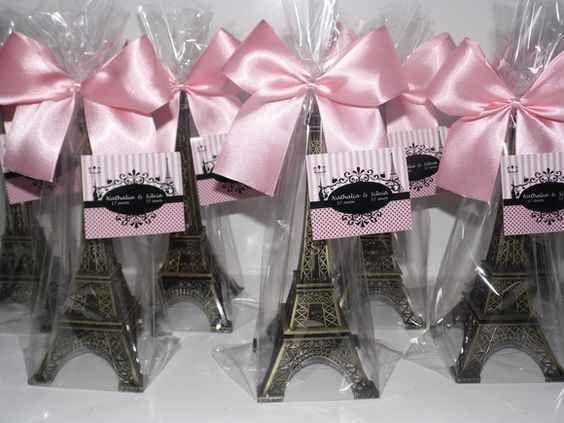 Decoracion de 15 a os de paris y torre eiffel 16 xv for Decoracion xv anos paris