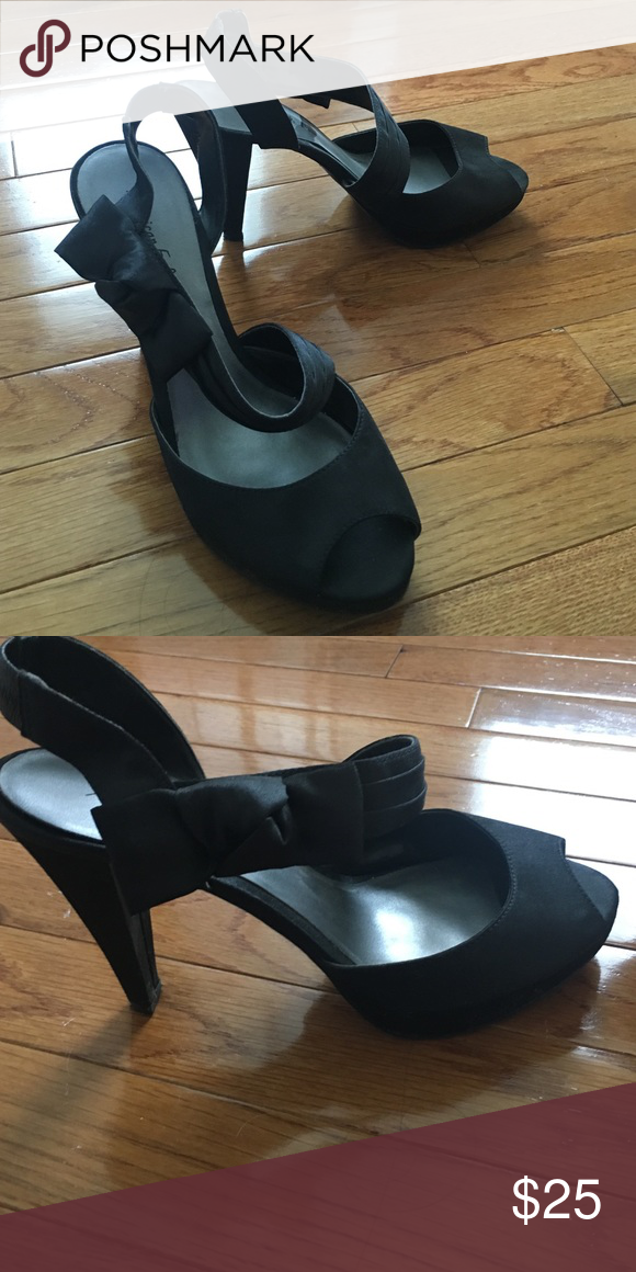 Heels Shiny black with bow American Eagle Outfitters Shoes Heels