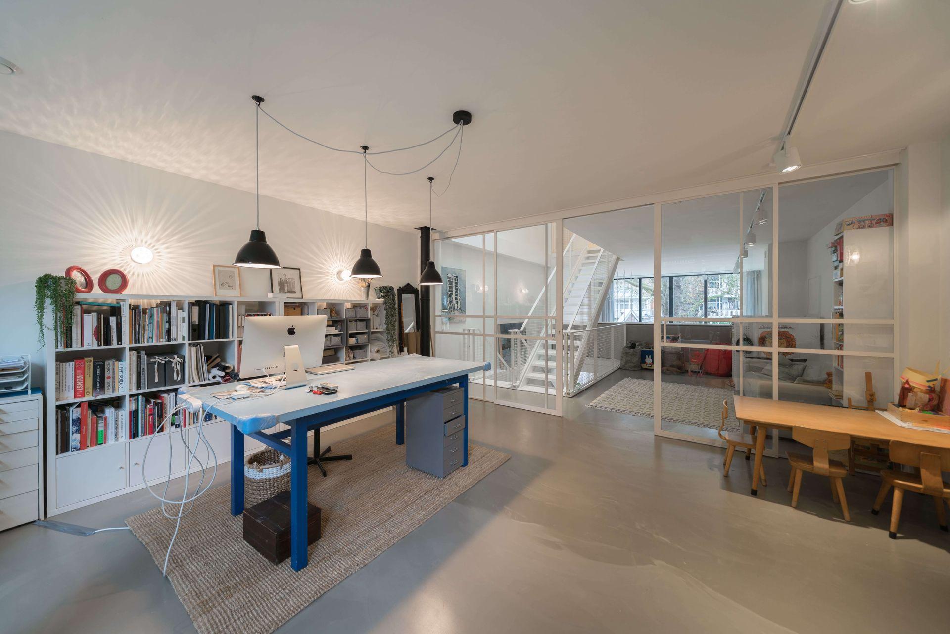 Nieuwbouw woning in amsterdam ruim licht in staal beton en glas