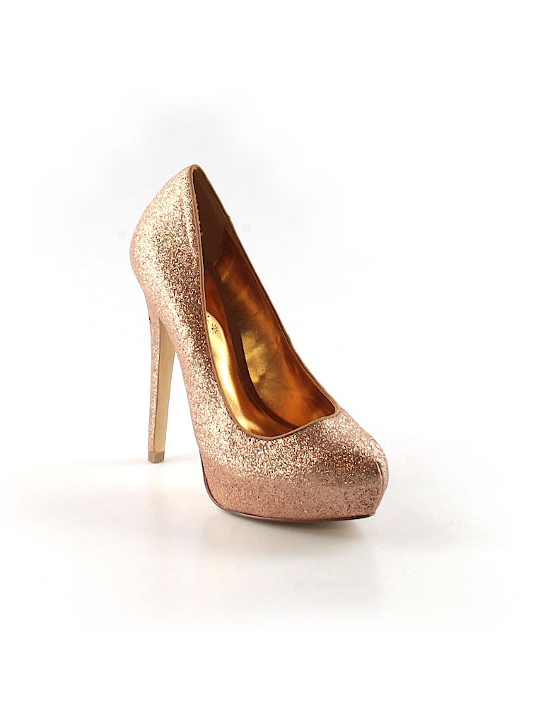 Check it out - Shoedazzle Heels/Pumps for $11.99 on thredUP! WOW