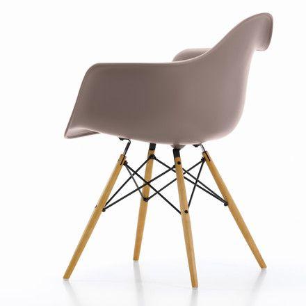 Vitra Eames Plastic Armchair DAW (H 43 cm), yellowish