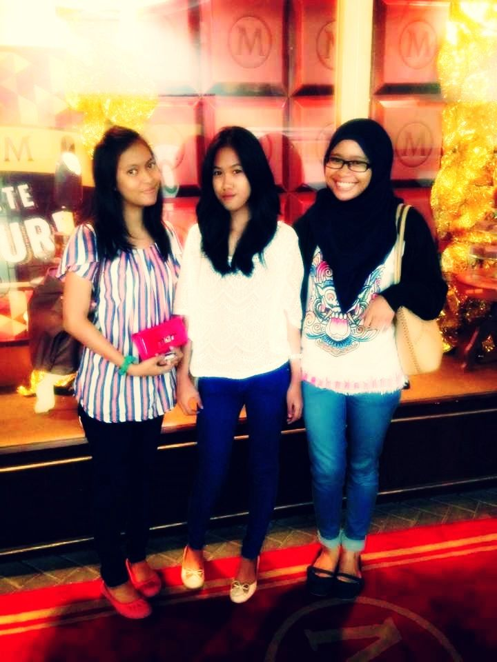 at magnum cafe Grand Indonesia with aini nur arvira and wullan