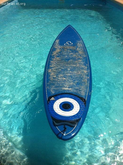 Vendo o cambio por un tablón 9 pies, Sup de 10 o equipo de windsurf de 145 litros.
