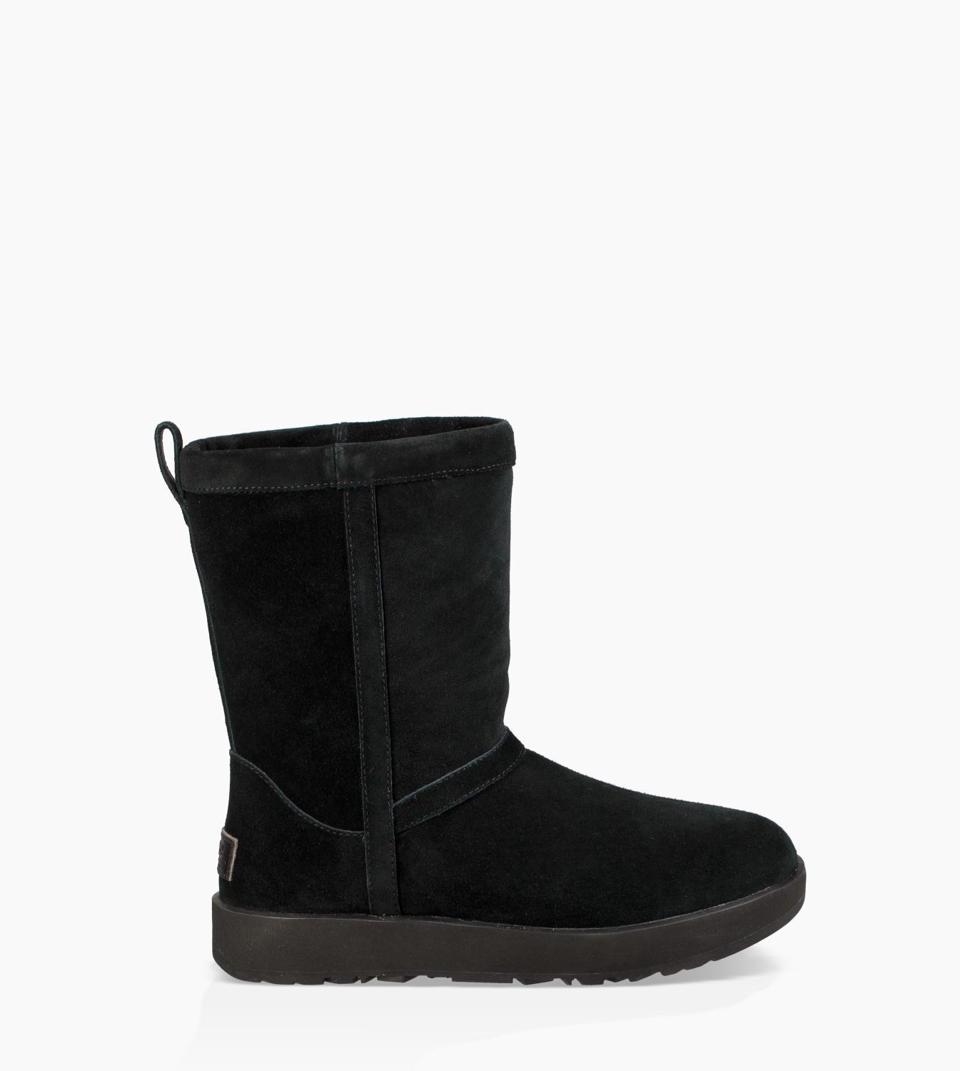 UGG CLASSIC SHORT WATERPROOF. #ugg #shoes #