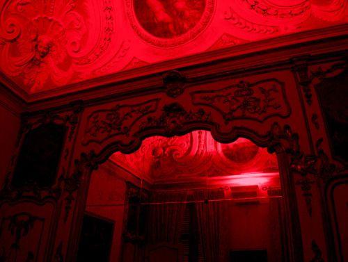 Red Grunge Tumblr Theme