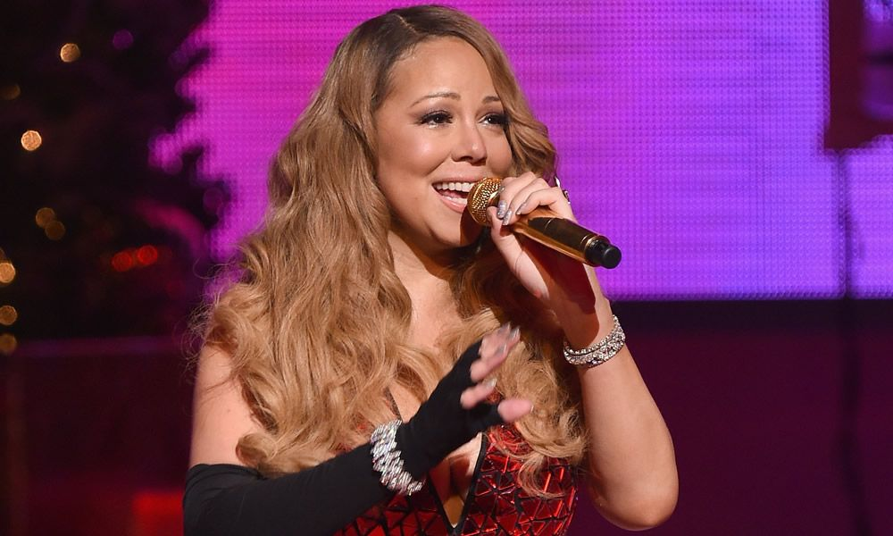 Mariah Carey wows at sold-out Christmas concert