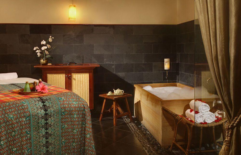 cool tub! Resort spa, Spa