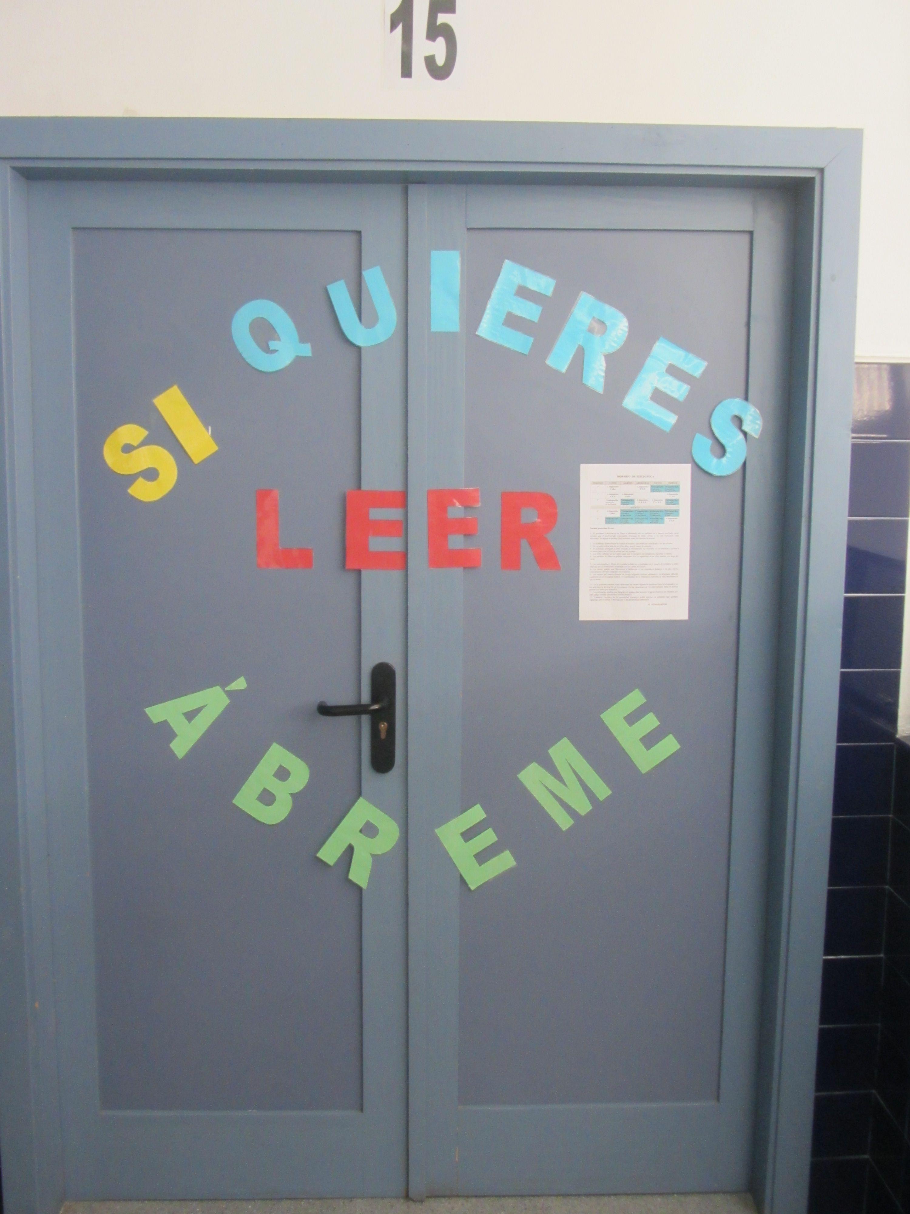 Puerta de la biblioteca del ceip rafael p rez del lamo for Decoracion de puertas escolares