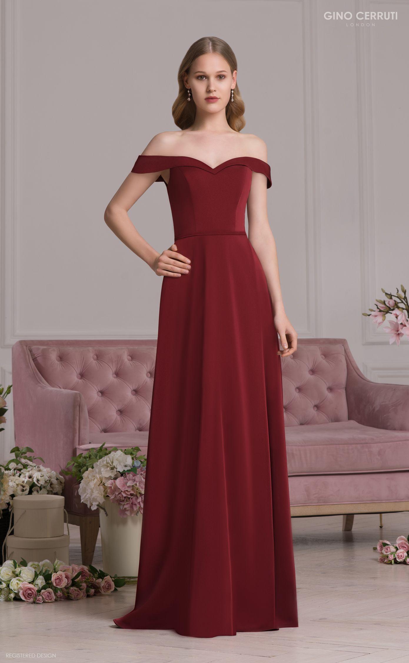 Abendkleid/Ballkleid in A-Linie in der Farbe bordeaux. Schlicht