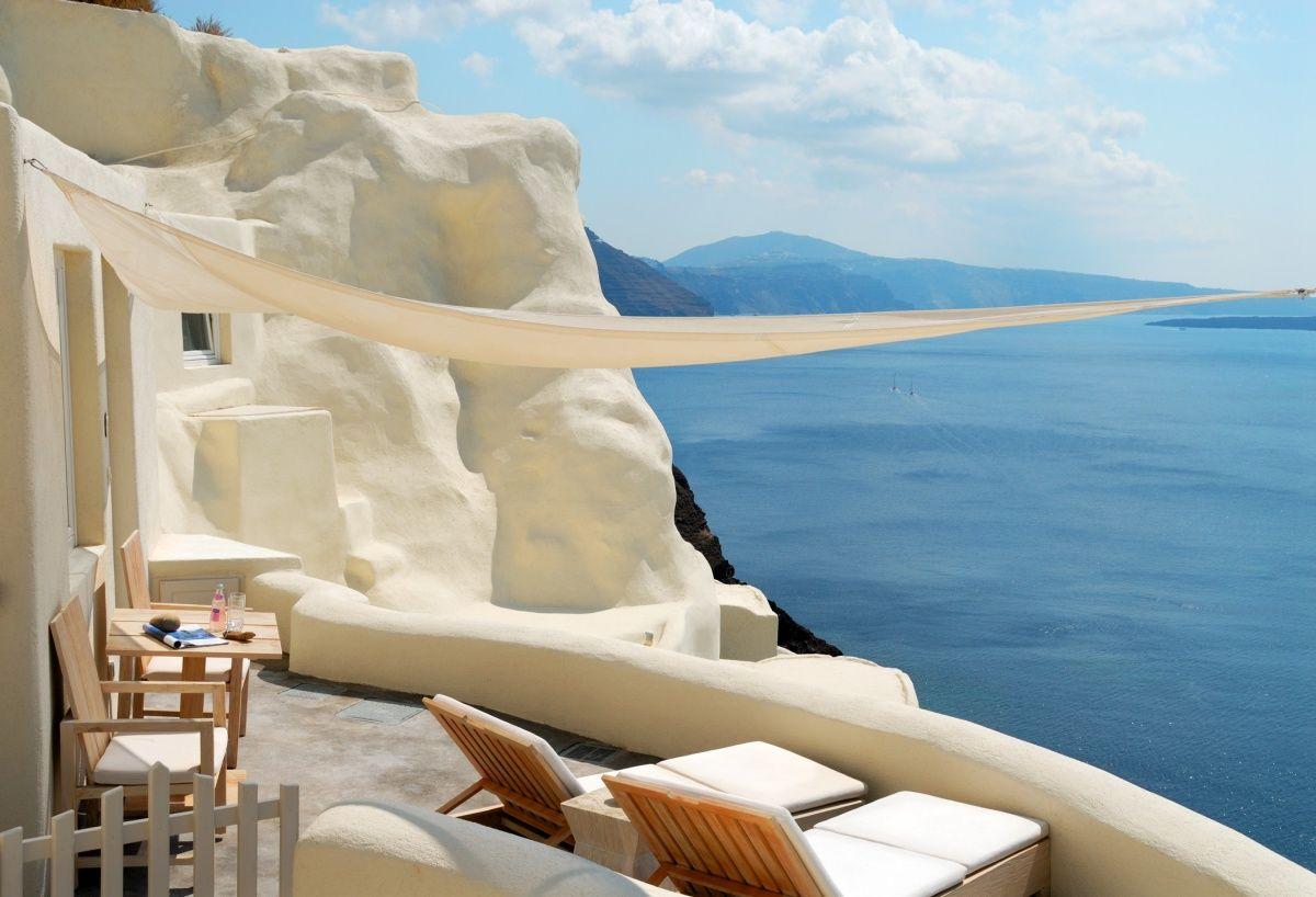 MYSTIQUE (Santorini)