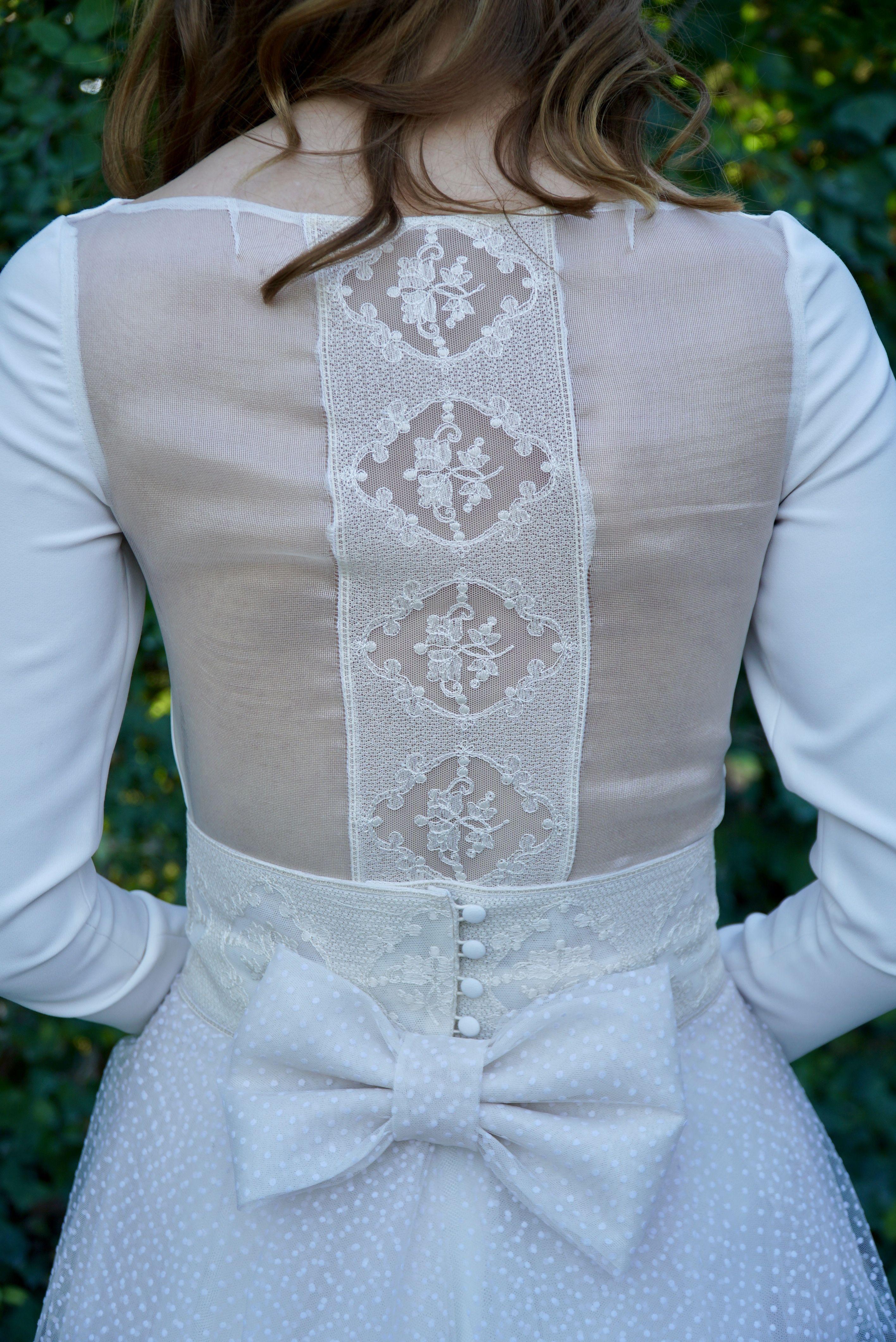 Espalda de organza transparente de seda natural con detalle de tul ...